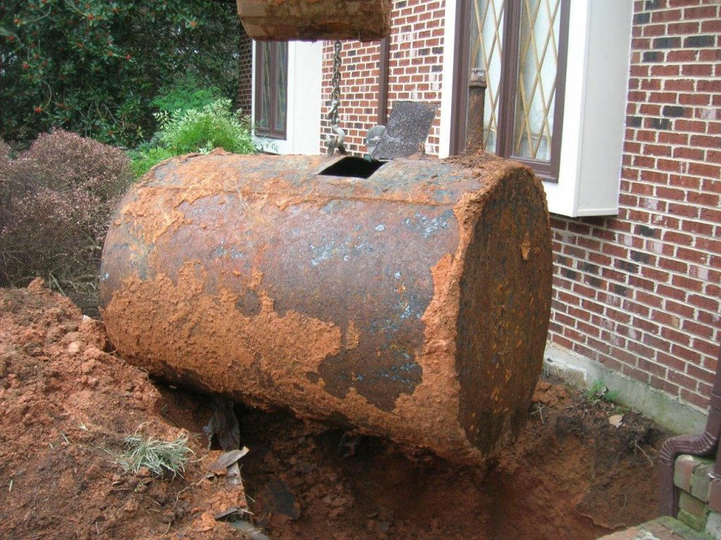 can fuel tanks rust